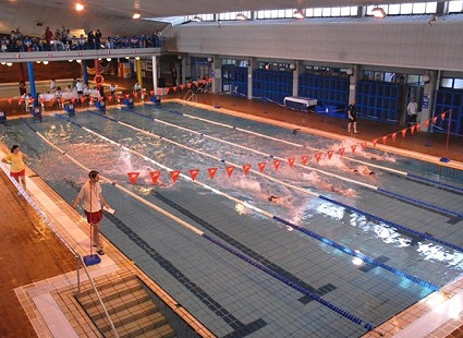 La piscina municipal de fuenlabrada tendr un techo for Piscina fuenlabrada